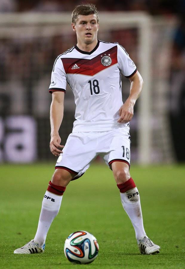 BREAKING NEWS:Real Madrid complete Toni Kroos deal