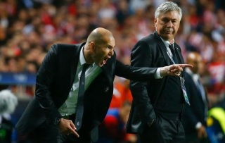 Zinedine Zidane Considering A Top Managerial Role In England