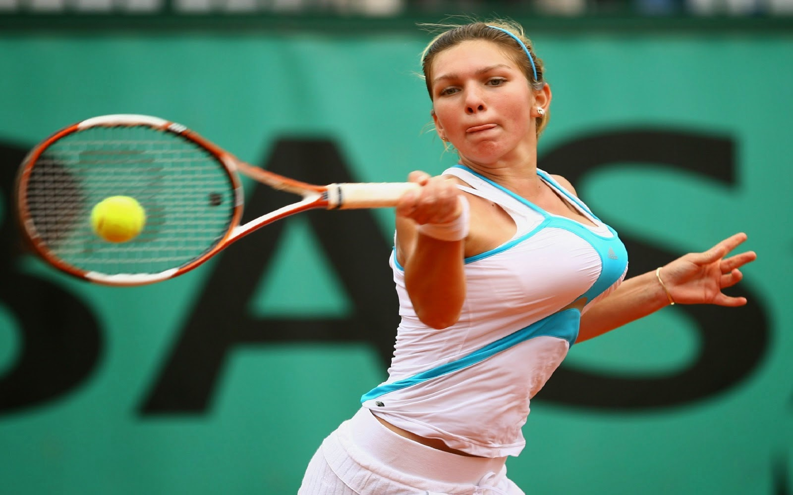 Top seed Simona Halep out of Sydney with illness