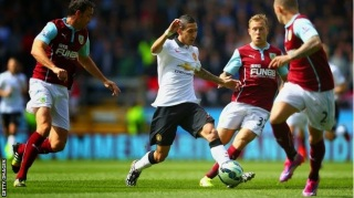 Manchester United tame resilient Burnley