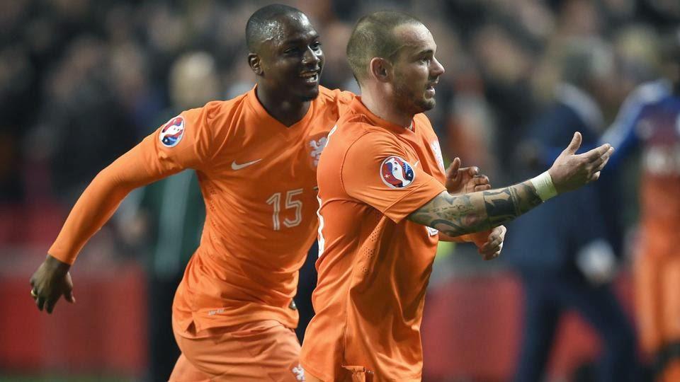 Sneijder Saves Netherlands Blushes Against Turkey