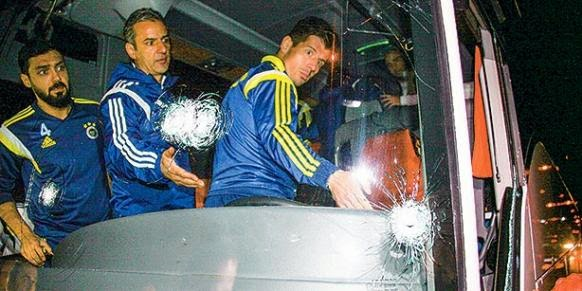 Fenerbahçe Players Attacked By Gunman, Wounds Driver